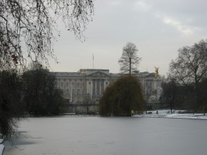 Picture of Buckingham Palace and frozen lake in St James's Park